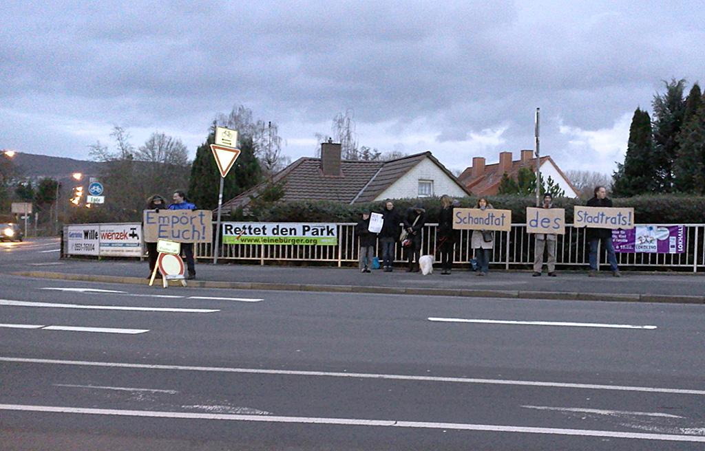 Protest gegen die Zerstörung des Leineberg-Parks